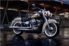 softail_deluxe_gallery_1